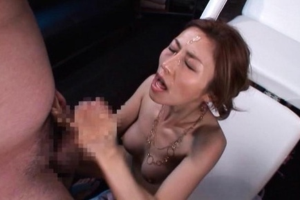 Akari asahina. Akari Asahina with oiled body gets cumshot on