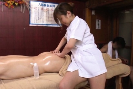 Japanese av model. Japanese AV Model gives man oil massages and puts cans on face