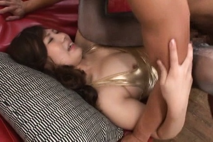 Hinako niizaki. Hinako Niizaki busty is make love in kitty under golden lingerie